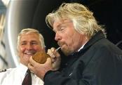 Richard Branson liebt Kokosnusswasser