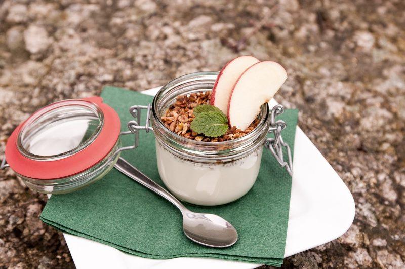 Kokosmehl mit Rohkakao – ein echtes Powerfrühstück
