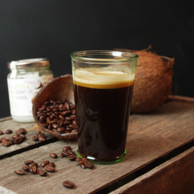 Kaffee mit Kokosöl für den perfekten Tagesstart