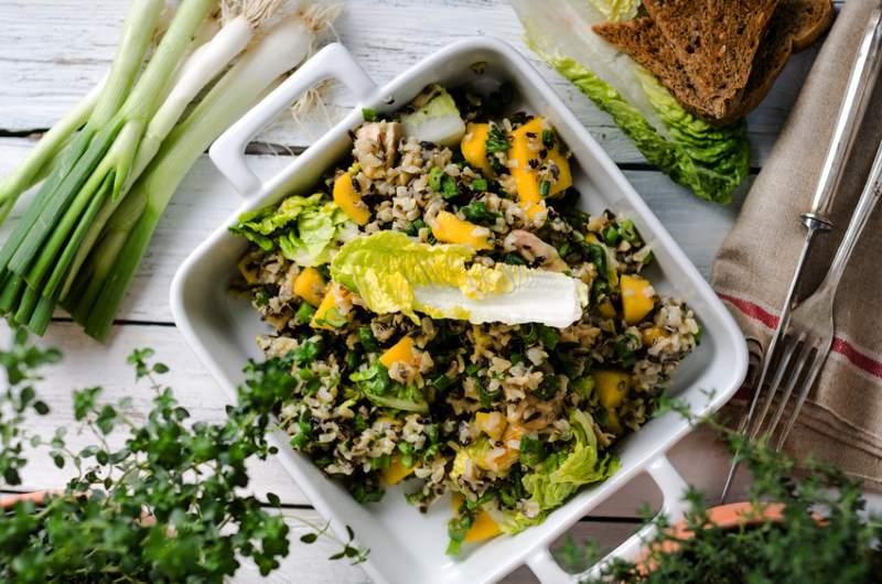 Reissalat mit Orangen und Austernpilzen