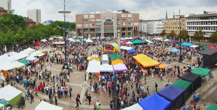Kokoswasser auf Vegan Street Day in Dortmund gefragt