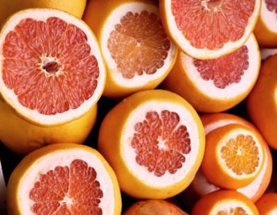 Grapefruit-Orangen-Smoothie mit Kokosmus