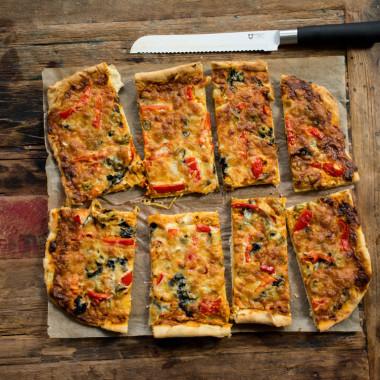 Algenpizza mit zweierlei Käse  (vegetarisch)
