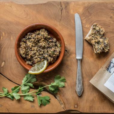 Veganer Aufstrich mit Räuchertofu und Algen