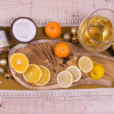 Weißer KULAU-Glühwein und alkoholfreier KULAU-Punsch