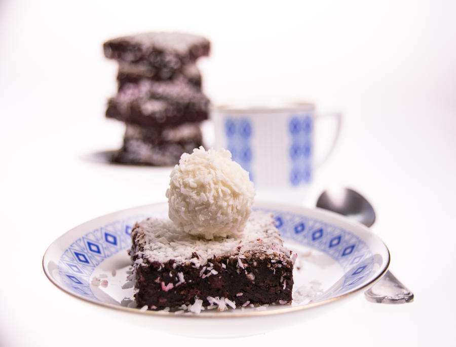 Rote Beete Kokos-Brownies