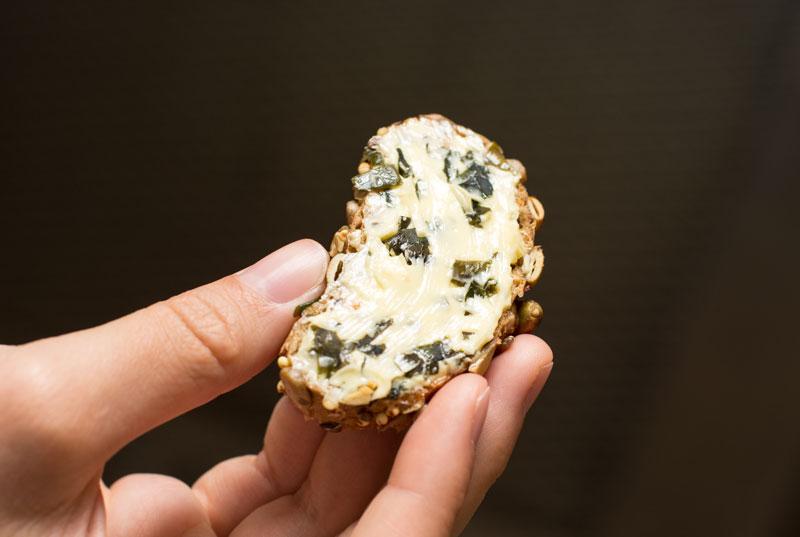 Schnell und einfach mehr Pepp aufs Brot mit Algenbutter/-margarine