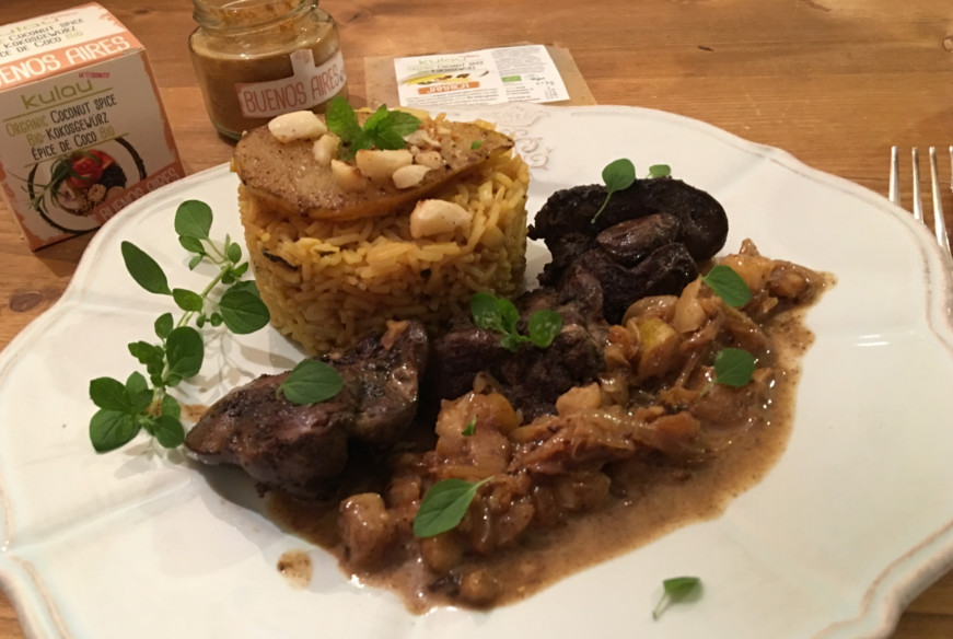 Hähnchenleber mit Birne, Macadamianüssen und Fenchel-Minz-Reis